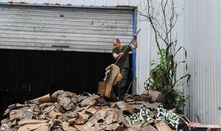 AL MENOS 14 MUERTOS  O DESAPARECIDOS EN CHINA TRAS DESLIZAMIENTO DE TIERRA.