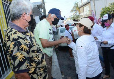 SERÉ LA VOZ DEL PUEBLO,NO «LEVANTA DEDOS»:ROSA MARÍA HERNÁNDEZ ESPEJO.